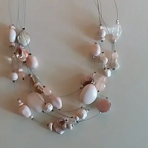 Jewelry - Pink layered bead necklace